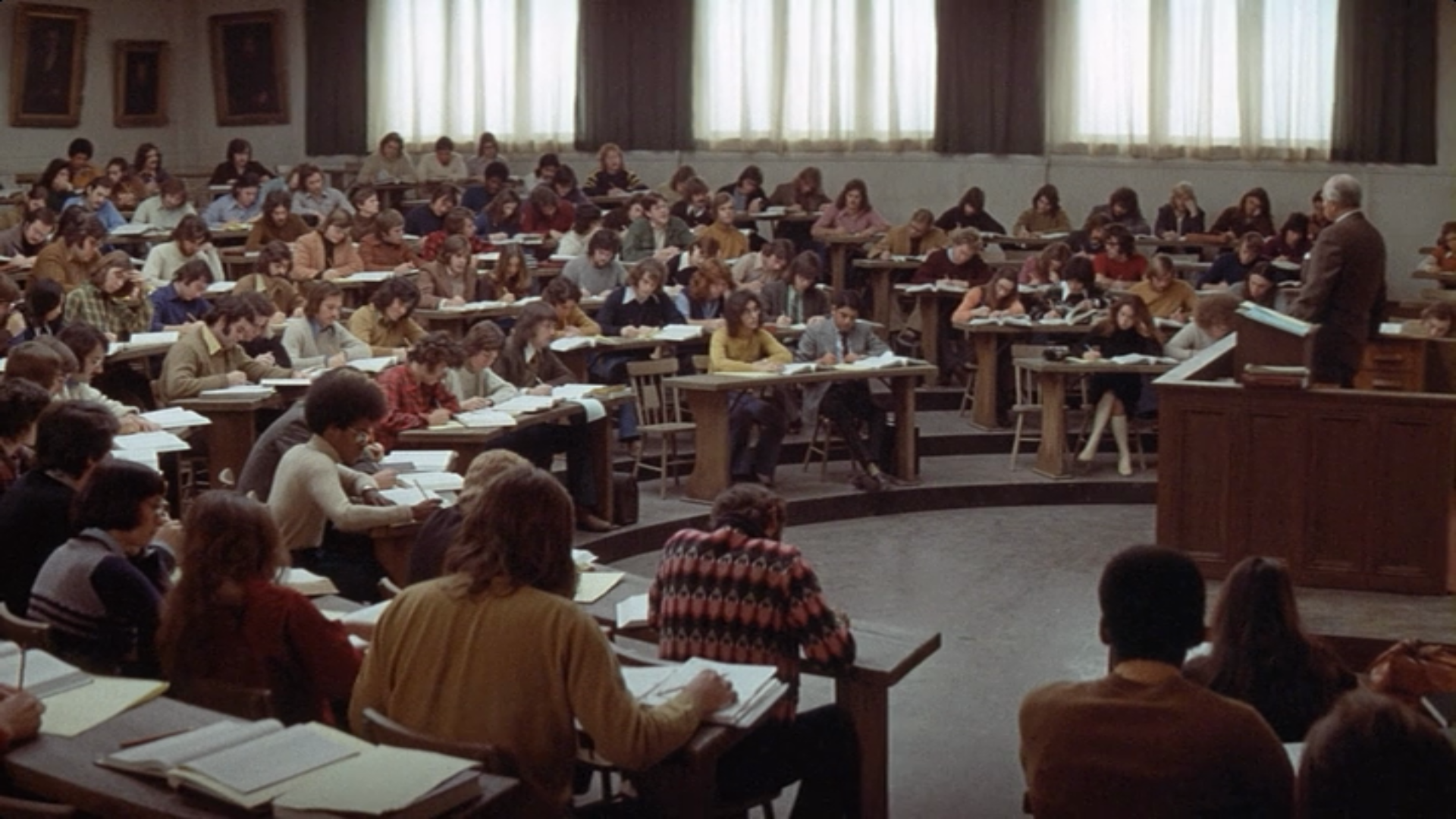 the paper chase movie Which movie's a more accurate depiction of law school -- the paper chase or  legally blonde.